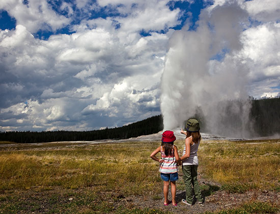 Traveling To Yellowstone National Park